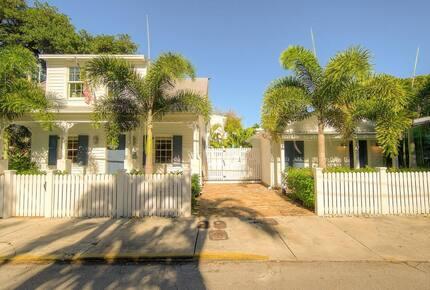 Aqua La Vista with Guest House and Pool! - Key West, Florida