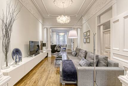 Luxurious Montreal Flat Facing Lafontaine Park - Montreal, Canada