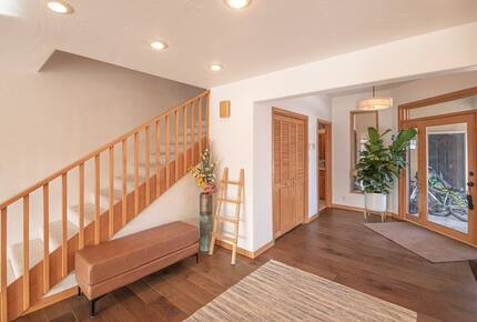 Home exchange in La Veta CO, front entryway near staircase