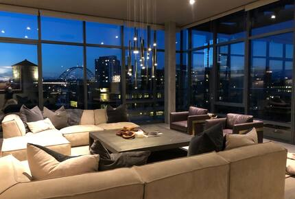Home exchange in Portland, OR, living room with comfortable seating