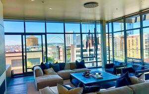 Home exchange in Portland, OR, penthouse with city views