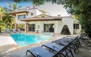 Casa Blanca Beach House (Playa's #1 Vacation Rental) - Playa del Carmen, Mexico