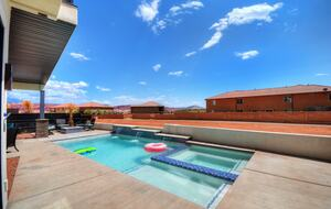 St George Red Rock Home with Pool - Santa Clara, Utah