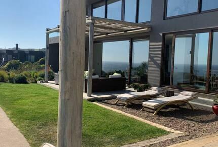 Zapallar Seafront House - Zapallar, Chile