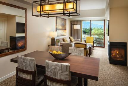 Home exchange at Westin Desert Willow Villas, living and dining room