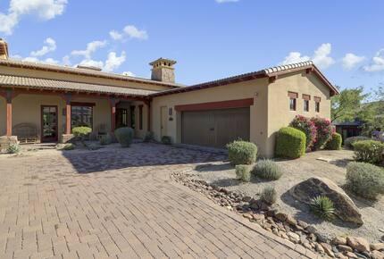Home exchange in Scottsdale AZ with brick driveway