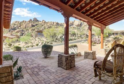 Home exchange in Scottsdale AZ, front porch with seating