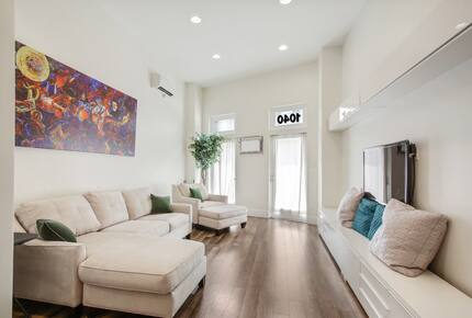New Orleans Warehouse District Townhome - New Orleans, Louisiana