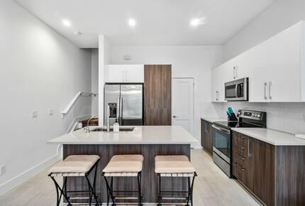 View towards kitchen