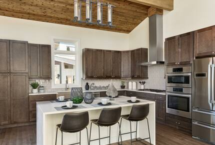 Home exchange in Fraser CO, kitchen island that seats 3