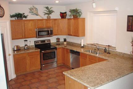 Home exchange in San Tan Valley AZ, kitchen with granite counters