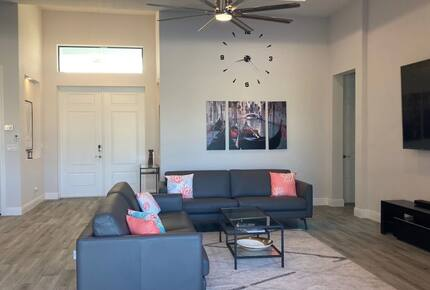 Home exchange in Cape Coral FL, large living room off of entryway