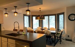 Home exchange in Jay Peak VT, dining room table that seats 10