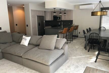 Home exchange in Jay Peak VT, family room with modular dream sectional