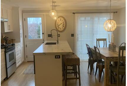 Home exchange in Charlestown MA, new kitchen with breakfast bar