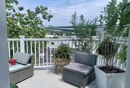 Home exchange in Charlestown MA, furnished deck off master bedroom