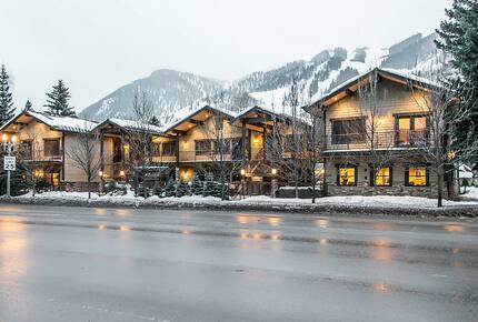 Home exchange in Aspen CO, The Innsbruck Aspen in winter
