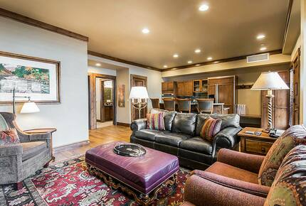 Home exchange in Aspen CO, presidential suite living area