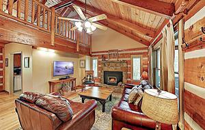 Luxe Cabin with Loft | Air Hockey, Pool, Wet Bar - Sevierville, Tennessee