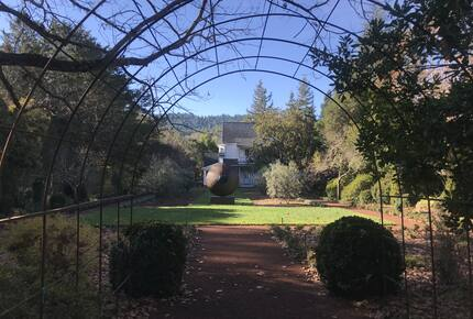 Anderson Valley Historic Villa with pool and vineyard - Boonville, California