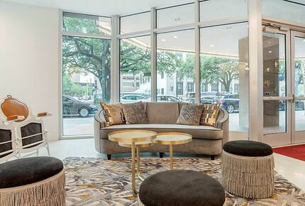 Home exchange in New Orleans LA, lobby at The Marquee with seating