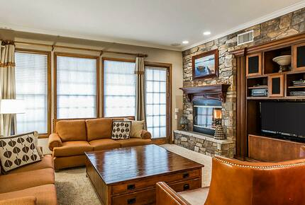 Home exchange, The Club at Big Bear Village, presidential living room