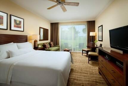 Home exchange in Kaua'i HI, bedroom with king Heavenly Bed®