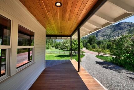 Home exchange in Winthrop WA with wraparound porch