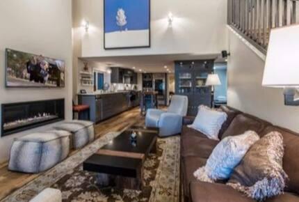 Home exchange in Park City UT, great room with flatscreen TV