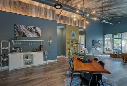 Home exchange in Spicewood TX, open floor plan dining area