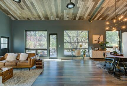 Home exchange in Spicewood TX, mid-century modern main living area