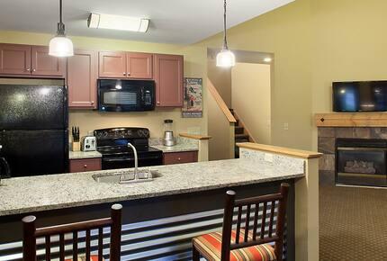 Home exchange in Wisconsin Dells, 2 bedroom deluxe timber kitchen