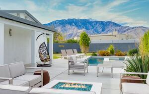 Villa Valija with Chef's Kitchen, Pool & Hot Tub - Palm Springs, California