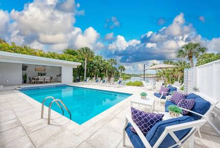 All Decked Out Waterfront Retreat - Sarasota, Florida