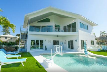 Island Life Villa - 5 Bed at Anna Maria Island - Holmes Beach, Florida