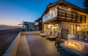 Ventura Designer Beach House on the Sand - Ventura, California