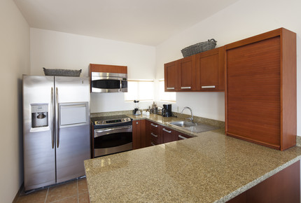 Las Colinas: 2 Bedroom