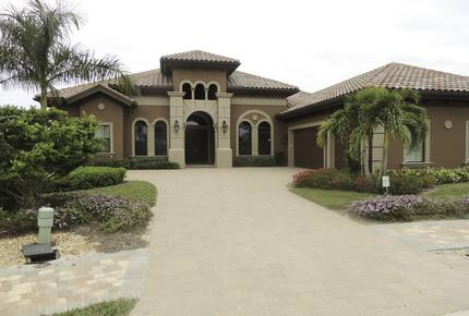 Beautiful home in Lely Resort Lakoya - Naples, Florida