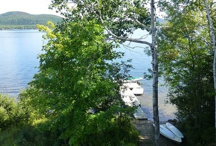 Beautiful Lake Ouareau Lakefront