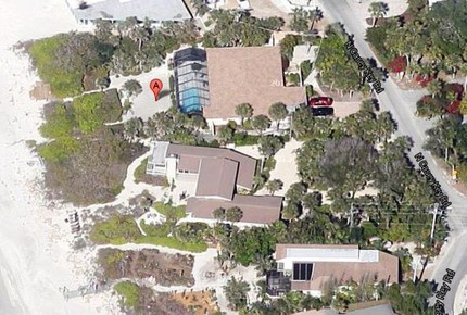 Idyllic Beachfront in Unique Casey Key - Osprey, Florida