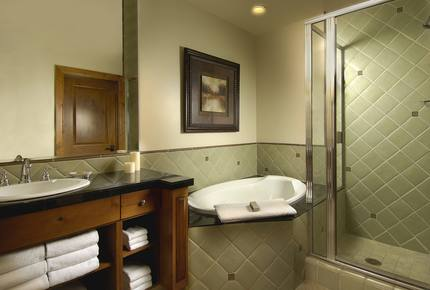 10th Mountain Suite at Vail Mountain Lodge & Spa - Vail, Colorado