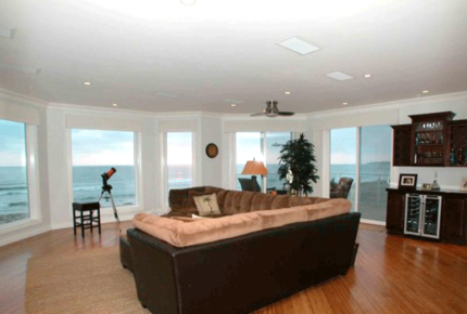 Mission Beach Oceanfront