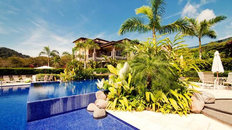 Los suenos costa rica luxury villa herradura bay costa for Luxury villas in costa rica