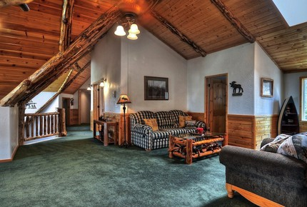 Mighty Bear Manor - Big Bear Lake, California