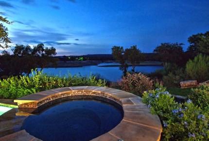 Kahala Sunset Lodge - Spicewood, Texas