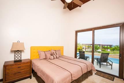 Pristine Bay Beach Villa 104 - Roatan, Honduras