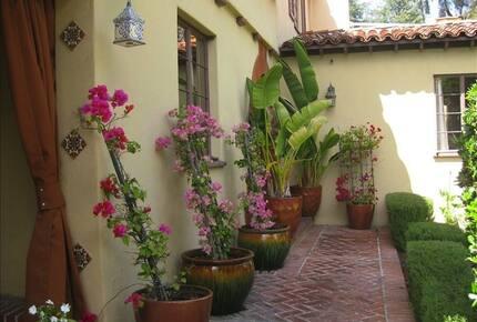 Los Feliz Villa