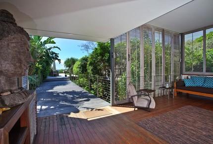 Ocean Front Villa - Byron Bay, Australia