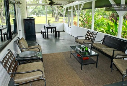 2.5 Acre Farmhouse - Hanalei, Hawaii