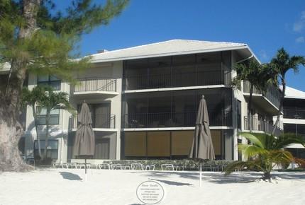 Beautiful Beachfront at Casa Caribe - Grand Cayman - George Town, Cayman Islands